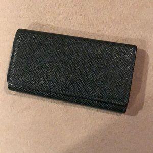 LV green 4 key holder